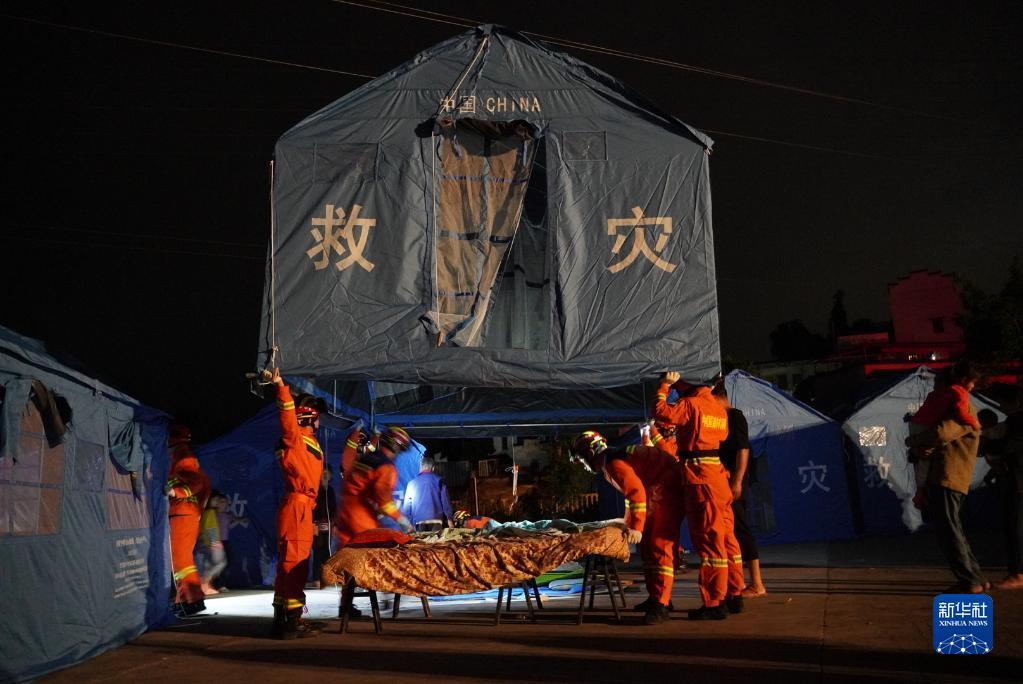四川泸县6.0级地震已造成3死100伤:多方力量驰援灾区
