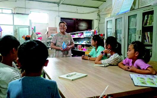 在田埂守望書香:農家女12年鄉村閱讀推廣路