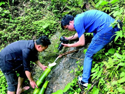 """我為脫貧攻堅""""留影"""" 一個記者在苗寨的蹲點筆記"""