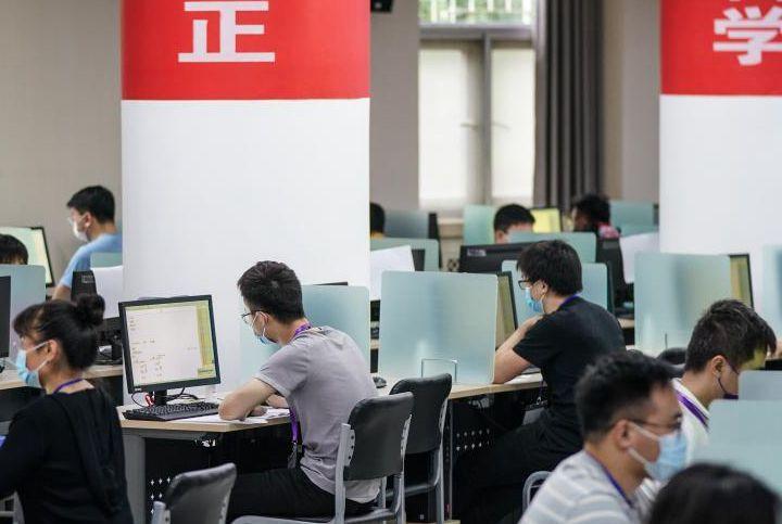 北京:走進高考評卷現場