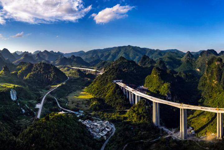 沿著高速看中國丨美麗高速帶富邊境小城