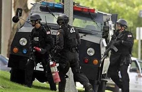 美国拘捕两名恐袭怀疑人