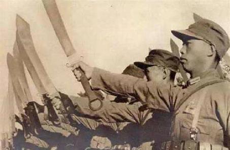 長城抗戰:大刀向鬼子們的頭上砍去!