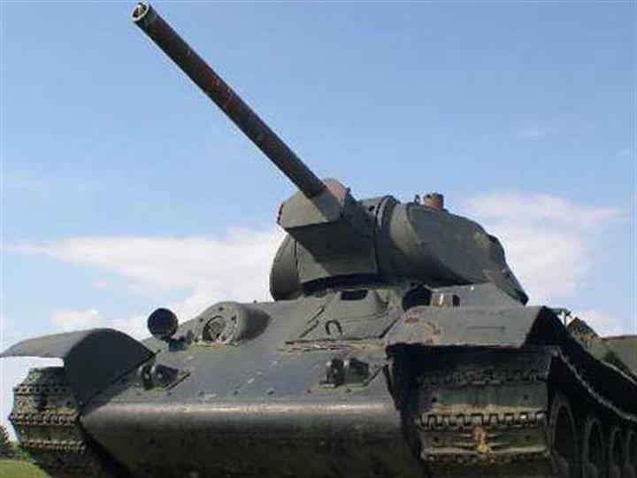 """兩次""""逆行""""與T-34坦克"""