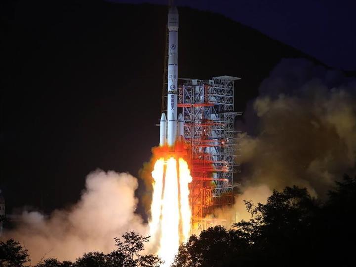 中星18號衛星工作異常