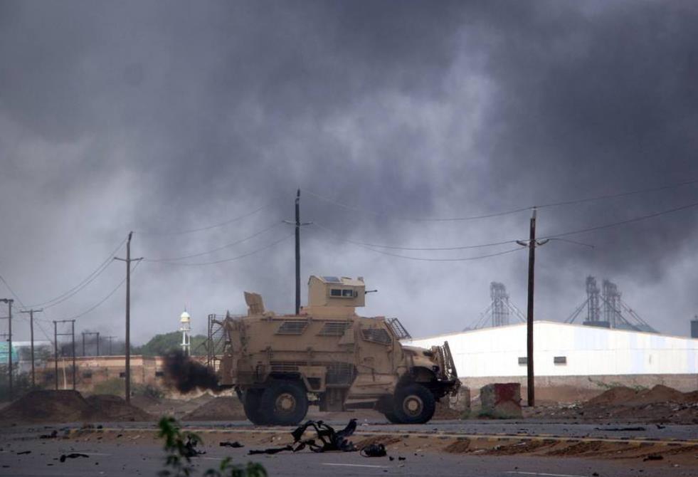 也門荷臺達路邊炸彈爆炸致4名平民死亡