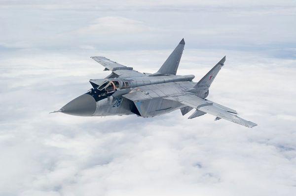 俄軍米格-31戰機在北極進行最大升限演練