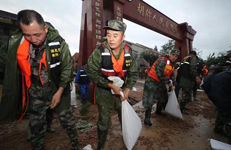 湖北:兩千余民兵多地馳援鏖戰洪魔