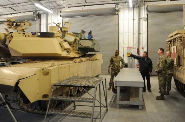 再也不怕反坦克導彈了?部署俄鄰國美軍坦克加裝主動防禦係統