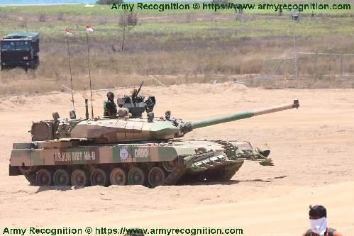 """印度""""阿瓊""""坦克首次炮射反坦克導彈 摧毀3公裏外目標"""