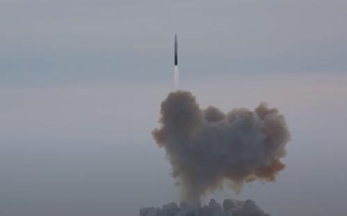 """普京:""""先鋒""""高超音速導彈就像冰棍,邊飛邊融化"""