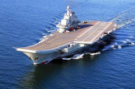 遼寧艦和山東艦分別完成例行訓練和海上試驗活動