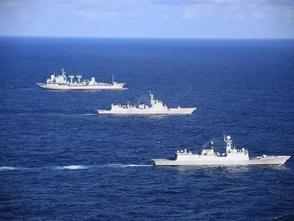 中國海軍第35、36批護航編隊在亞丁灣完成任務交接