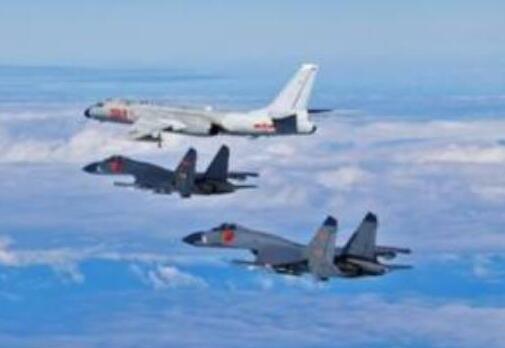 空军奋力投身改革强军加快推进战略转型述评