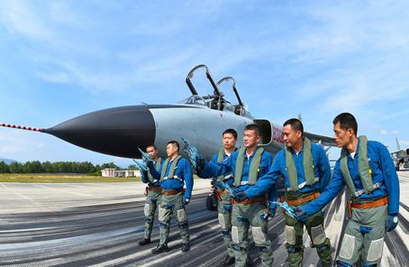 海军南海舰队航空兵某飞行团改革强军训练现场目击