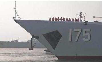 052D亮相遼寧艦編隊 執行跨區機動訓練任務