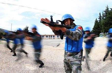 中國赴黎巴嫩維和部隊組織戰備演練