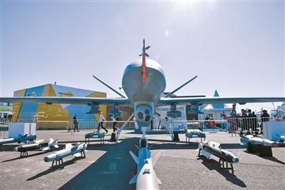 多家中企莫斯科航展展示中國航空航天創新成果