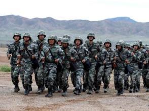 西藏軍區某合成旅關愛官兵家庭 做好家屬來隊保障