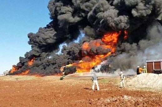 """伊拉克軍方空襲炸死數十名""""伊斯蘭國""""武裝分子"""