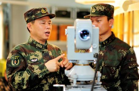 全國道德模范軍隊候選人∣譚清泉:活就活在導彈旁