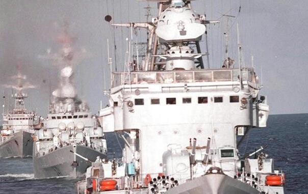 90年90個第一丨人民海軍第一支水面艦艇部隊:祖國海疆的水上尖兵