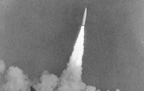 90年90個第一丨第一代潛艇發射戰略導彈:巨龍出海鑄水下堅實盾牌