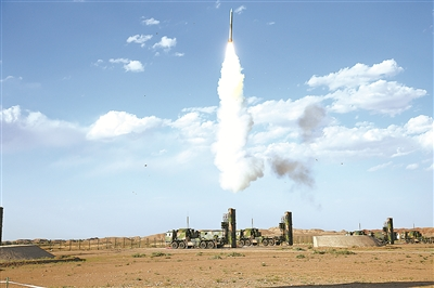 中部戰區空軍某地導旅:新型地空導彈首發命中