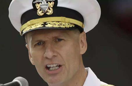 美媒:美海軍計劃撤銷第七艦隊指揮官奧庫安職務