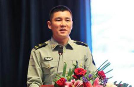 王銳先進事跡首場巡回報告在北京衛戍區舉行