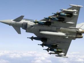 """買""""保險""""?卡塔爾先後與法美英簽巨額戰機合同"""
