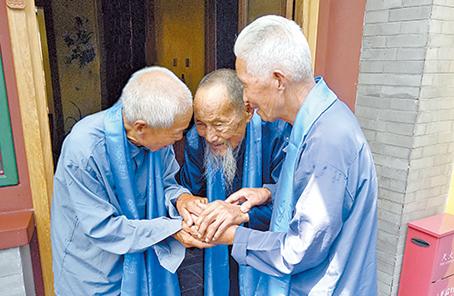 跨越77年的生死約定,95歲八路軍戰士終遇救命恩人