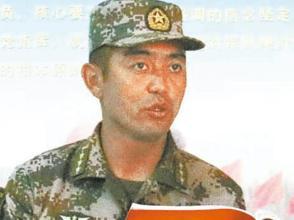 """帕力哈提·伊力汗:黨旗下成長的""""兵巴郎"""""""