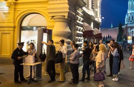 莫斯科多地接到炸彈威脅電話 數百人被疏散