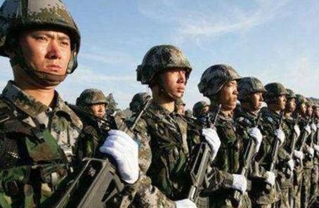解放軍報:軍人正成為全社會尊崇的職業