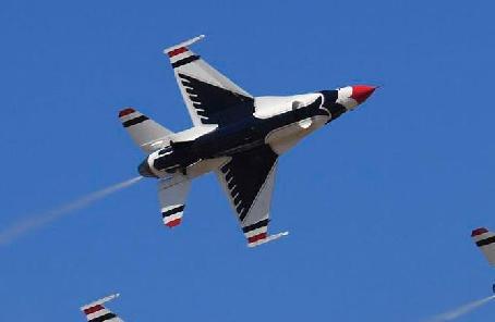 八一飛行表演隊首次完成高海拔地區飛行表演