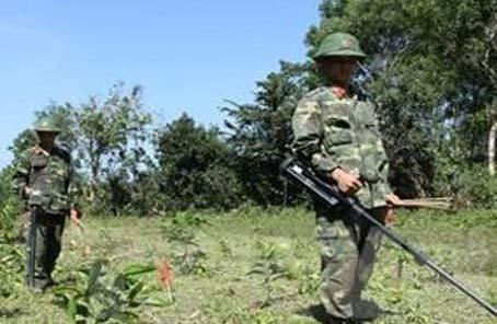 中國向柬埔寨提供援助物資支持排雷行動