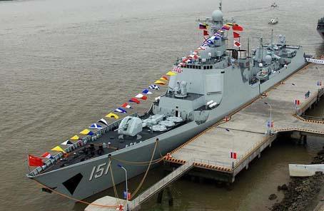 東盟成立50周年鄭州艦參加國際艦隊檢閱