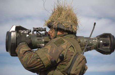 芬蘭 接收新反坦克武器