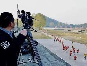 軍報評論:網絡直播進軍營,是跟進還是跟風?