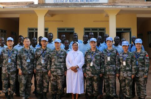 中國赴南蘇丹維和醫療隊為聯合國人員培訓急救技能