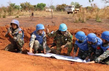 中國維和工兵在南蘇丹用汗水迎新春:戰火中的堅守