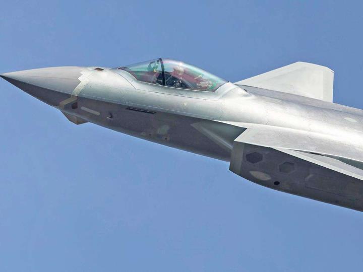英媒:中國軍力正超速增強 但談全球優勢還太早