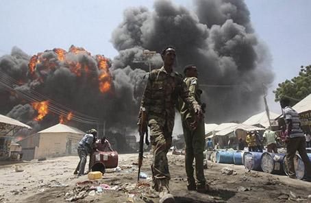 索馬裏首都汽車炸彈襲擊死亡人數升至32人