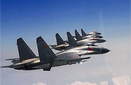 中部戰區空軍航空兵某旅:時刻準備升空戰鬥