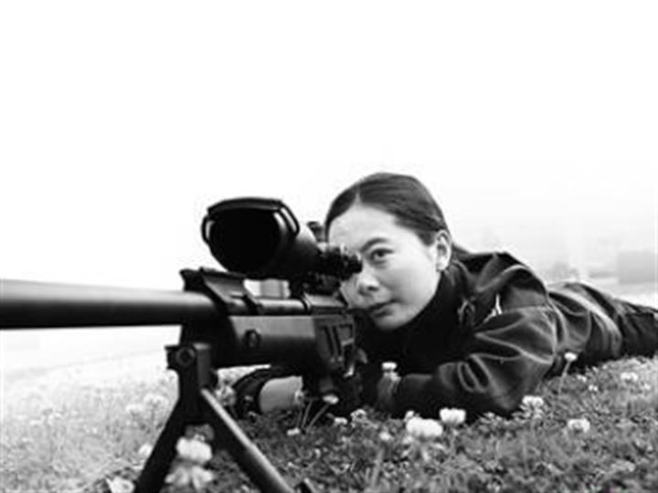 希望永不開一槍 雲豹突擊隊女狙擊手默默守護昆明