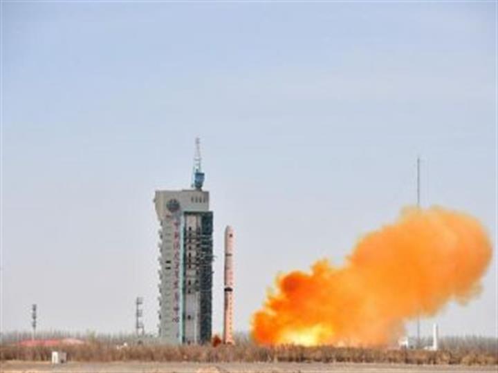 """我國""""一箭五星""""成功發射""""珠海一號""""02組衛星"""