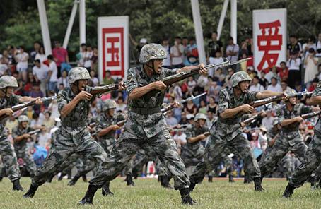 駐港部隊月底軍營開放日將派3萬張門票
