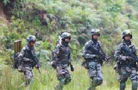 74軍某旅扎實組織野外駐訓 千裏移防不降訓練標準