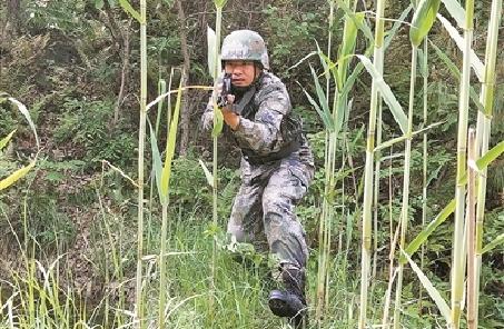 偵察連副連長孫金龍練就射擊絕技揚威國際賽場